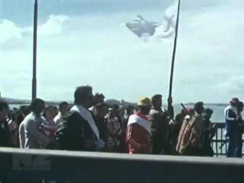1975 Matakite Maori Land March crossing the Auckland Harbour Bridge