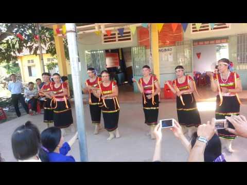 múa cô gái pako xã Tân Thành(múa nghệ thuật)