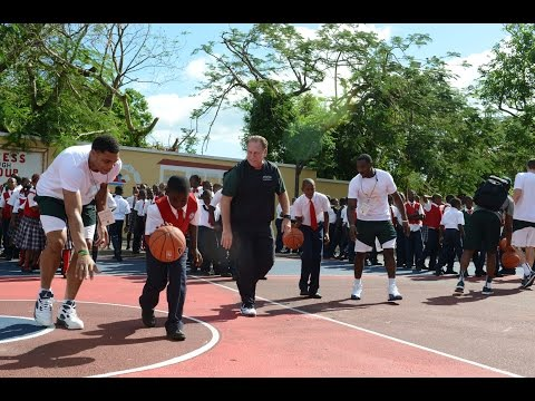 Michigan State Basketball visits school in Bahamas