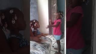 Video 😂😂😂 Je vai fai sorti mon comportement sauvage la hein (Enfant Ivoirienne) 😂😂😂 download MP3, 3GP, MP4, WEBM, AVI, FLV November 2017