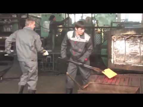 Как делают лопаты из рельсовой стали.