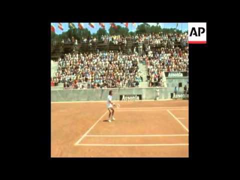 UPITN 11 6 73 ITALIAN OPEN TENNIS ORANTES BEATS OKKER