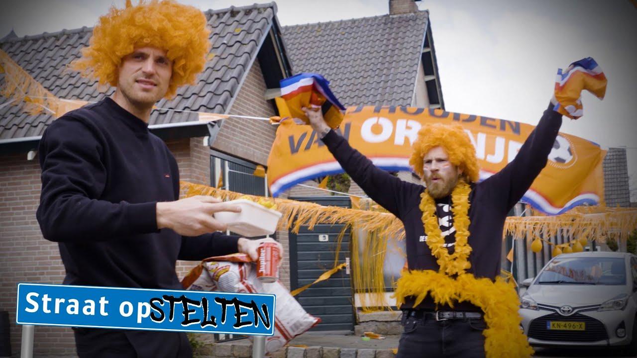 Oranje Prank op Wolter Kroes | Straat op Stelten