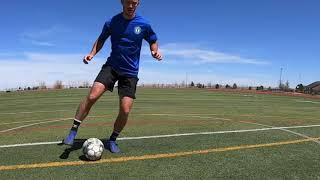 Ведение мяча внутренними сторонами стопы с движением в бок приставным шагом