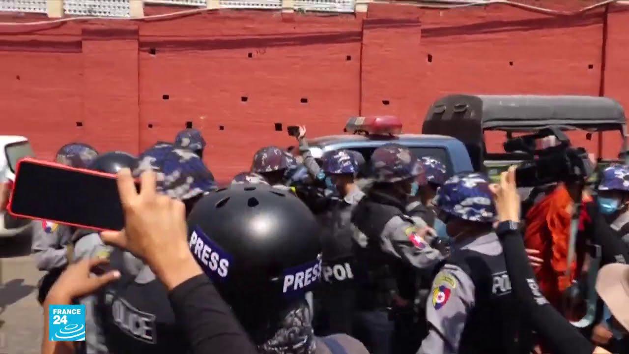 انقلاب بورما: اندلاع مواجهات بين أنصار المجلس العسكري وسكان رانغون  - نشر قبل 45 دقيقة