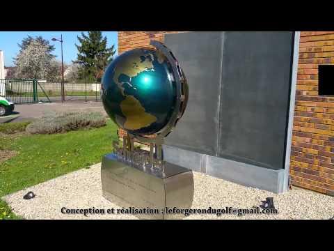 Iron spinning globe