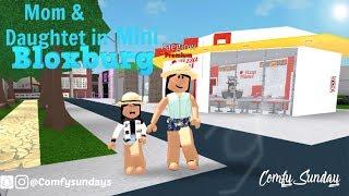 Mom & Daughter in MINI BLOXBURG IN BLOXBURG| Roblox Bloxburg