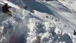 Skifahrer filmt in einer Lawine