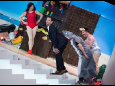 La terremoto de alcorc n se convierte en 39 plim kardashian 39 en el teatro de pendiente me - Teatro en alcorcon ...