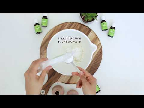 diy-natural-homemade-deodorant-recipe---how-to-make-using-coconut-oil-and-essential-oils-(australia)