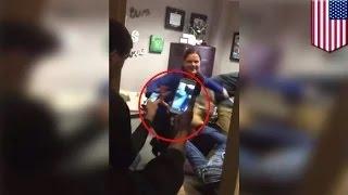 الطلاب يصورن عراكاً مدبراً بين طالبين في مكتب المديرة التوجيهية في أوهايو