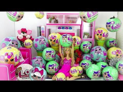 Barbie tiene 100 bolas LOL sorpresas