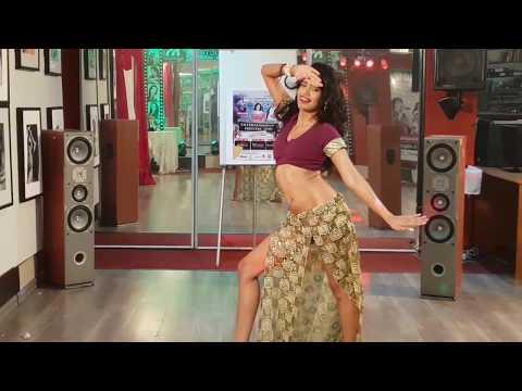 Suraiyya Song | Dance Cover | Fiona Pillay | Aamir, Katrina | Ajay-Atul, Amitabh B | Vishal, Shreya
