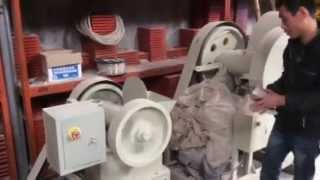 Станок по изготовлению щебнёнки из гранита и мрамора(Компания КитайКамень предлагает станки по изготовлению щебня.Напрямую из Китая, а так же изделия из мрамор..., 2015-01-22T03:15:32.000Z)