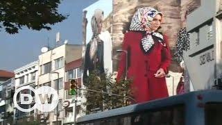 Türban ve modanın sentezi - DW Türkçe