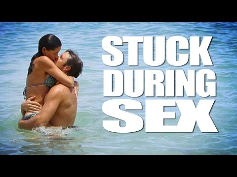Couple STUCK TOGETHER while HAVING SEX IN THE OCEAN