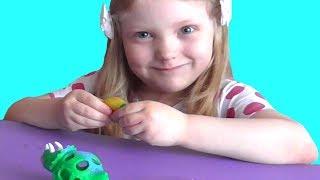 Режем игрушку антистресс. Что внутри антистресса? Антистресс с фиолетовым лизуном.