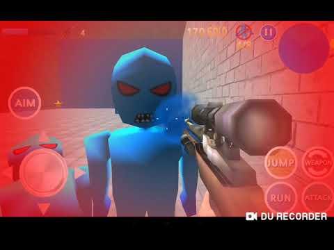 Стивен Крэйг играет в игру где надо убивать синих человечков