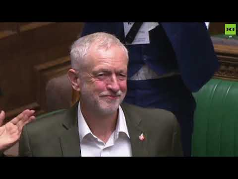 Corbyn receives standing ovation at Youth Parliament