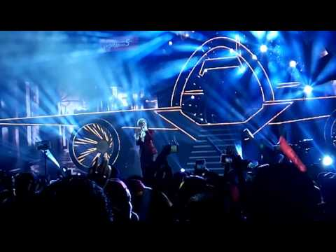 Sơn Tùng-MTP live (21-12-2016) Sự kiện kỉ niệm 5 năm bay VietjetAri