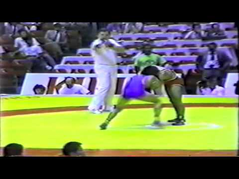 1990 Senior World Championships: 57 kg Ahmet Ak (TUR) vs. Wei Hong (CHN)