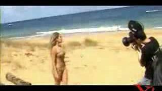 Singer naked in the beach / 辛格在裸體海灘