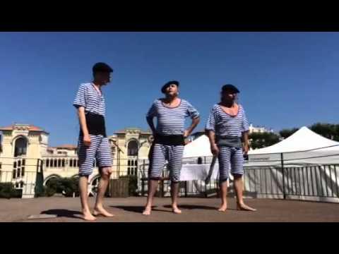 Messieurs les Guides Baigneurs de Biarritz par le théâtre du Rideau Rouge (Biarritz)