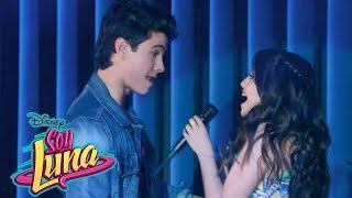 """Soy Luna 2 - Momento Musical: Luna Canta """"Alzo Mi Bandera"""" con La Roller Band (Capitulo 1)"""