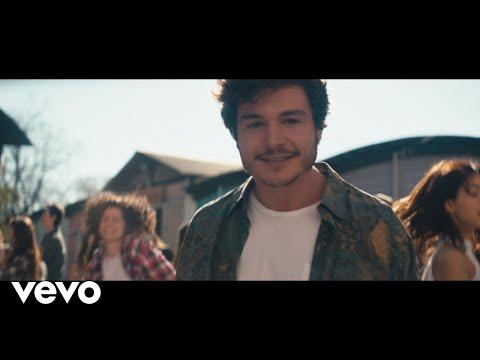 Parkour, graffitis y mucha fiesta en el videoclip de 'La venda'