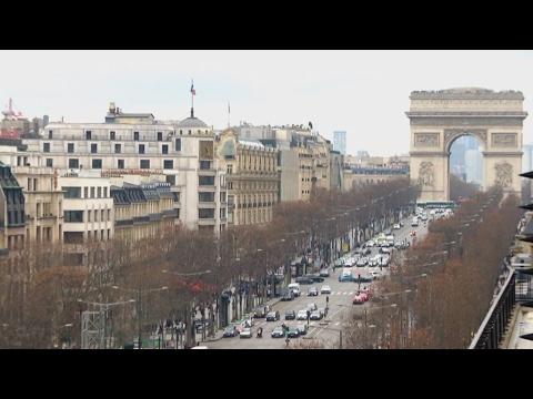 Aux Champs-Élysées : des marécages à la plus belle avenue du monde