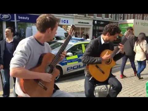 Rodrigo Y Gabriela, Tamacun (DUO Cover) - Busking In The Streets Of London, UK
