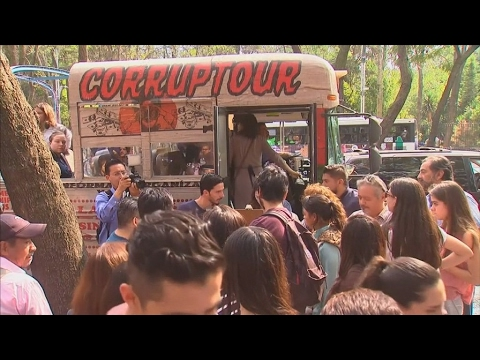 mexico:-corruptour,-a-sightseeing-tour-with-a-difference