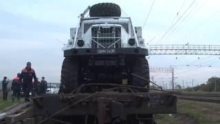 В Приморский край прибыл первый тяжелый механизированный мост МЧС России(Сегодня на железнодорожную станцию Сибирцево Приморского края из Новосибирска прибыл первый тяжелый меха..., 2016-09-27T17:22:07.000Z)