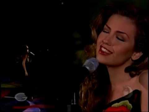 Thalia - Dicen Por Ahi - (Live Ritmo De La Noche)