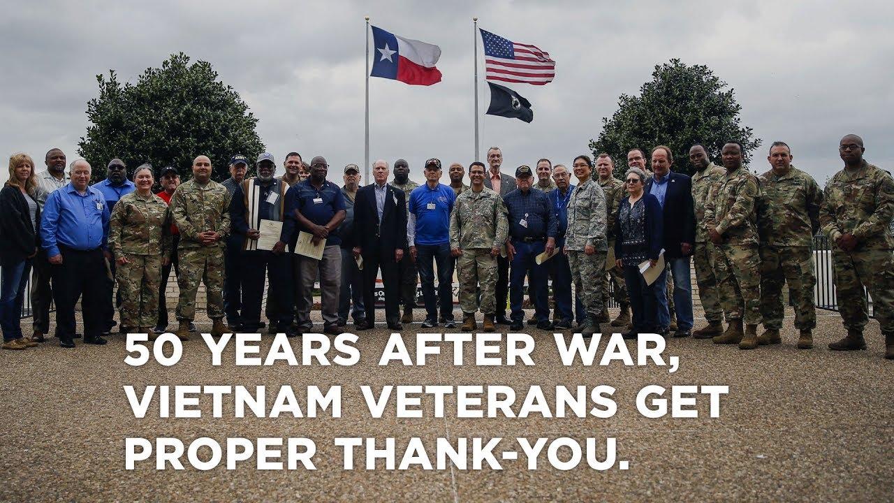 Personalized Name Vietnam Veteran Vet US Military War Honorary Gift Sign Clock