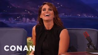 Amy Landecker's Nightmare Golden Globes Run-In With Don Cheadle  - CONAN on TBS