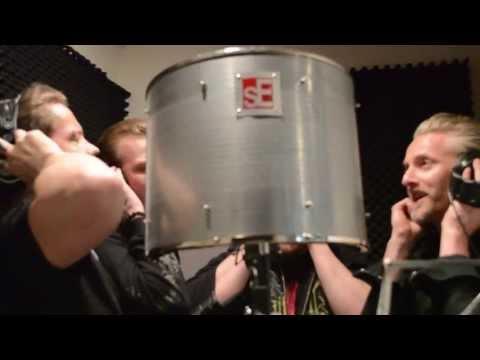 """Týr records """"Valkyrja"""" at Hansen Studios"""