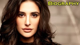 Gambar cover Nargis Fakhri - Biography