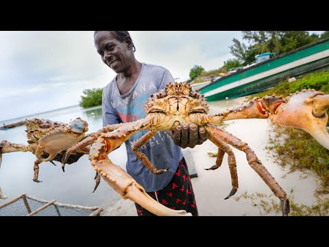Huge Caribbean KING CRAB 🦀 RUNDOWN!! Jamaican Seafood Tour - Jamaica! 🇯🇲