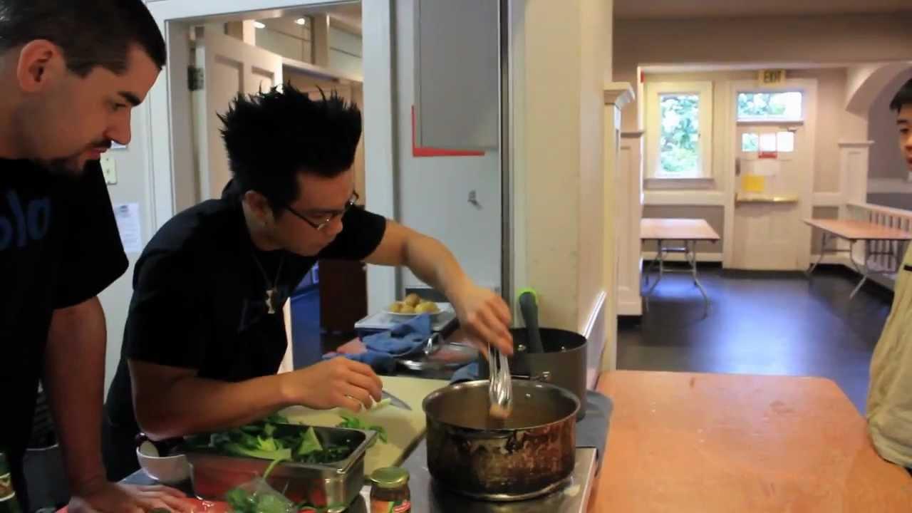 Taste International: Kare Kare