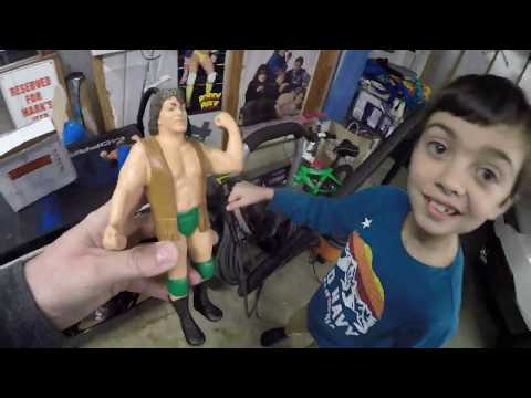 LastHumans Home Life: Unboxing some LJN WWF figures from Uncle Biff