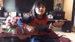 Download lagu Flashlight cover ukulele by aryanna alyssa dezek MP3