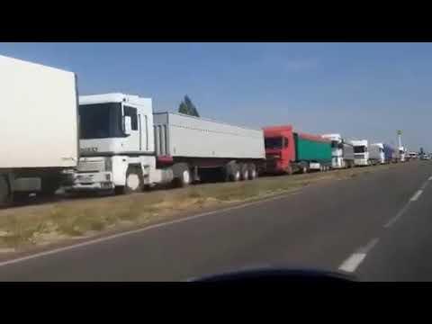 Moy gorod: Грузовики заблокировали дорогу со стороны Новой Одессы