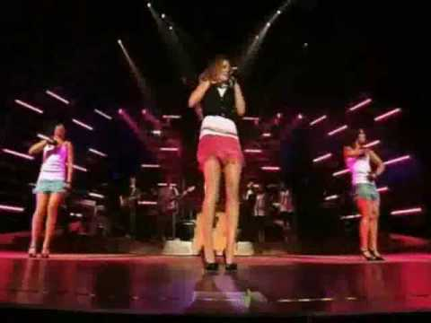 Hilary Duff - Beat of My Heart (Live at the Gibson Amphitheatre)