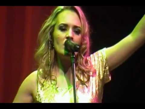 Tiane canta Shakira