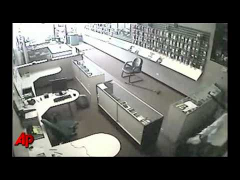 Raw Video: Women Fight Armed Robbery Suspect