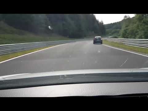 AUDI R8 VS VW GOLF 4 TDI AUTOMATIC on the nurburgring