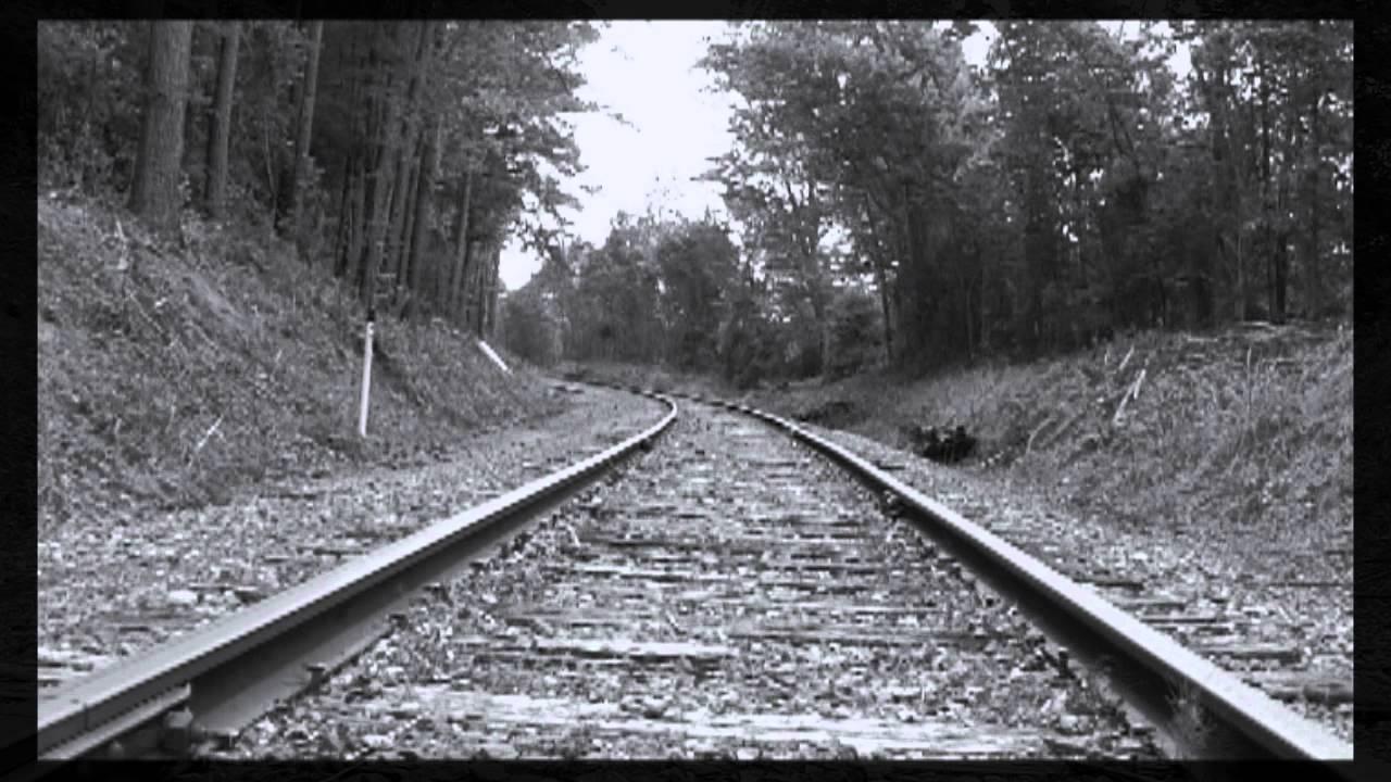 railroad-crossing-tracks