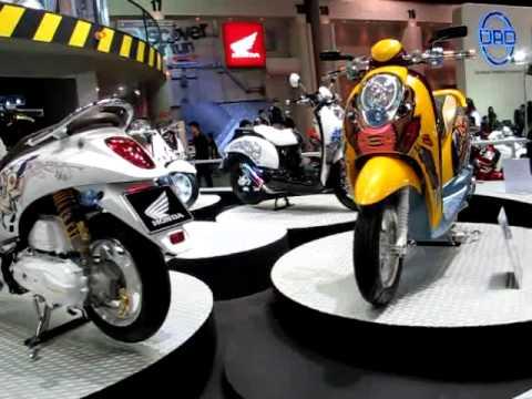 รถจักรยานยนต์ฮอนด้า สกู๊ปปี้ Honda Scoopy i