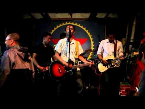 Broken Rose - Queen Of The Night Live At Bintang Cafe